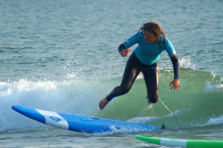 Elève qui tombe à l'eau   Chill surf School Seignosse