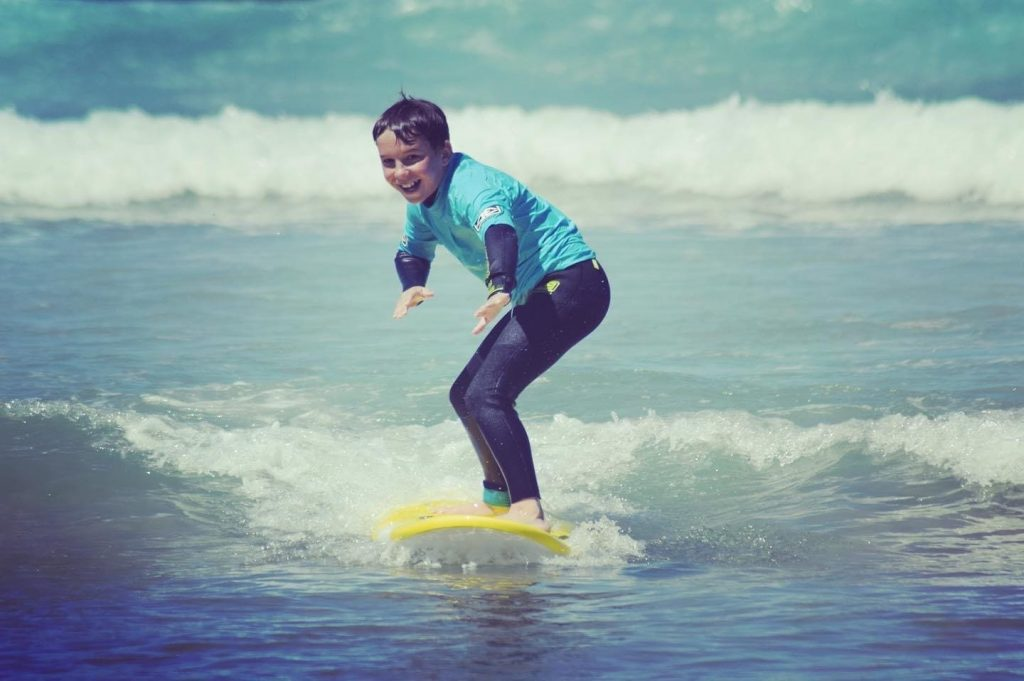 Petit apprends le surf   Chill surf School Seignosse